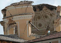 L'Aquila, en ruinas dos años después del terremoto