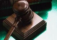 Juez español ordena a hombre a abandonar la casa de sus padres