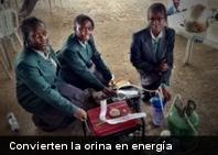 Jóvenes africanas crean máquina que convierte la orina en energía