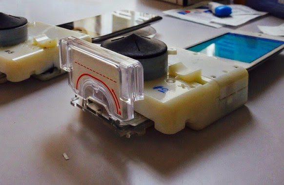 Nuevo dispositivo móvil detecta el VIH en solo 15 minutos