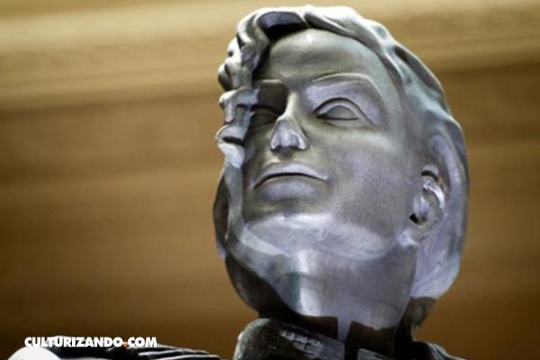 En exhibición estatua de Michael Jackson que inspiró álbum HIStory