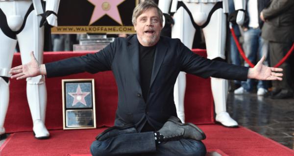 Mark Hamill felicita a niño de 10 años por ser un Jedi ante el bullying