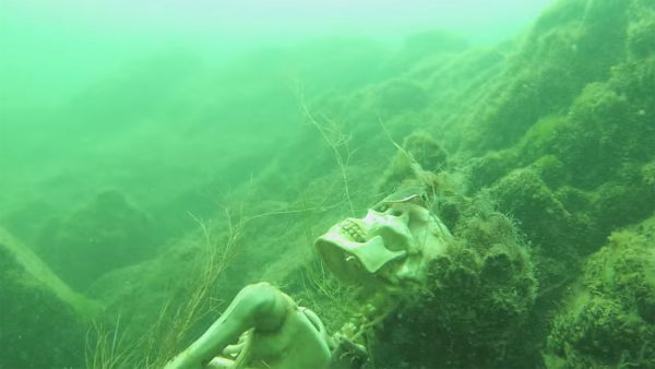 Familiares de tripulantes de submarino argentino piden que se reflote para recuperar cuerpos