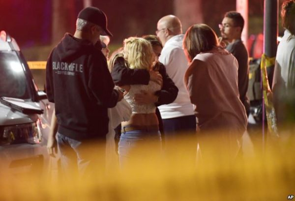 Autoridades: 13 muertos en ataque en un bar de California