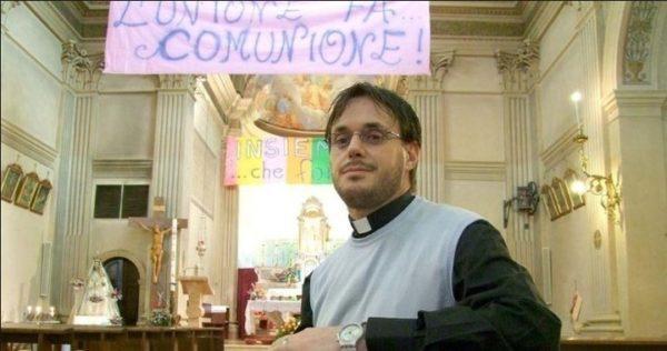 Un sacerdote italiano, escapó de la Iglesia para casarse con su novio