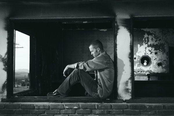 Aumenta la tasa de suicidios entre trabajadores de EE.UU