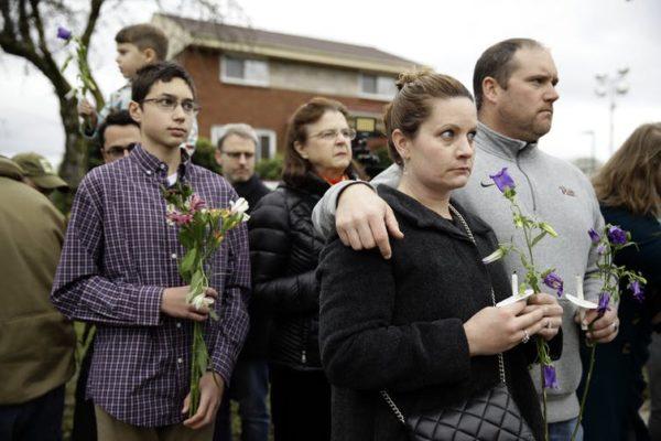 Tiroteo en Pittsburgh: La historia de las oleadas antisemitas y antimigrantes en EEUU