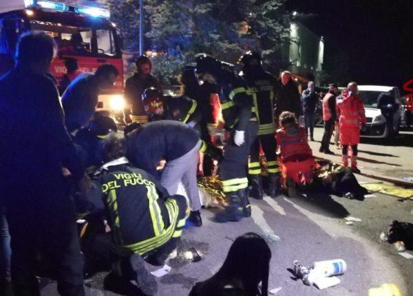 6 muertos y 120 heridos en el este de Italia por una estampida