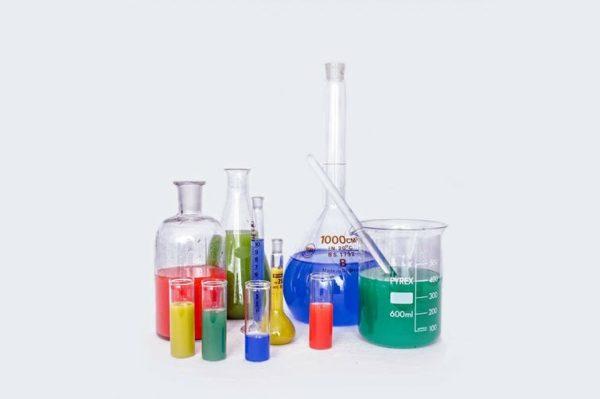 Cinco leyendas falsas sobre la química