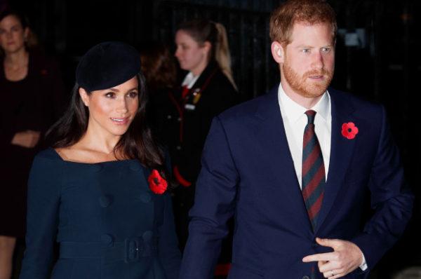 """Un grupo neonazi amenaza con asesinar al príncipe Harry por """"traicionar la raza"""" al casarse con Meghan Markle"""