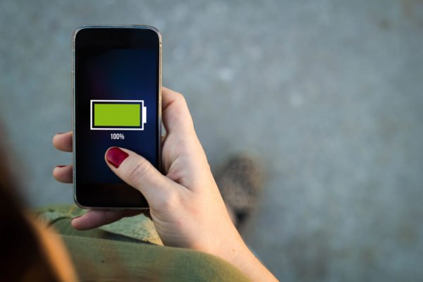 Electricidad estática podría ser una alternativa para cargar celulares