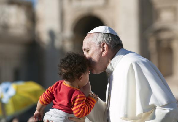 Papa exige reportar denuncias de abusos sexuales en Vaticano