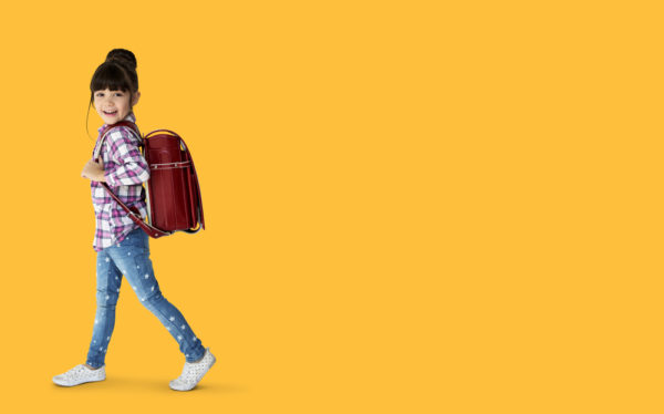 ¿Cuál es el peso máximo que deben llevar los niños al colegio?