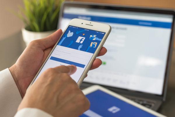 Facebook presenta nuevas herramientas para empresas en revisión de negocio