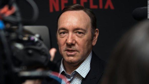 El joven que denunció a Kevin Spacey por acoso sexual retira los cargos y abandona la demanda civil