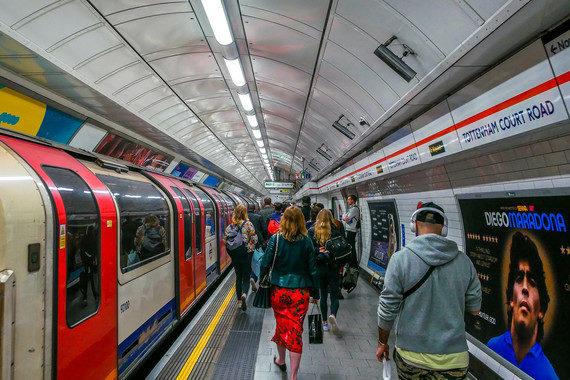 Encuentran bacterias resistentes a antibióticos en el metro de Londres