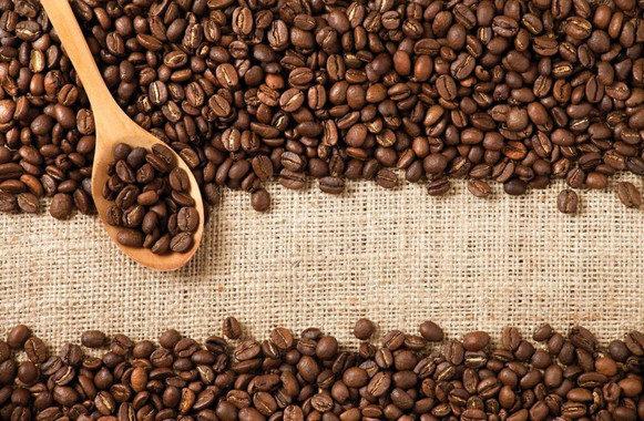 El consumo habitual de café se asocia con menor riesgo de caídas en mayores