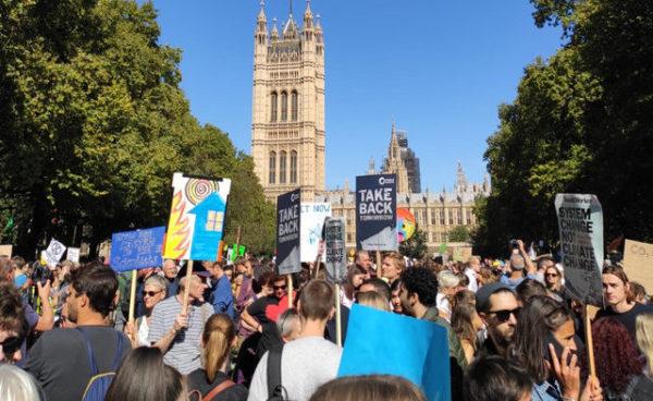 Millones de estudiantes se movilizan por el cambio climático