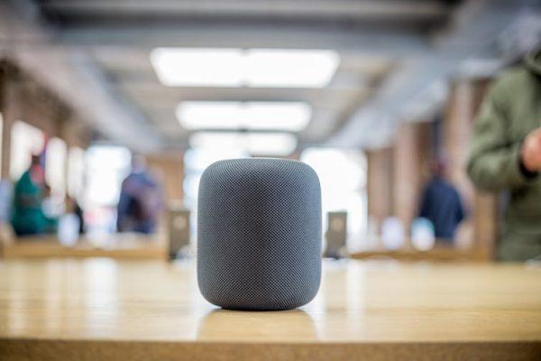 ¿Pueden Siri y Alexa escucharnos sin vulnerar nuestros derechos?