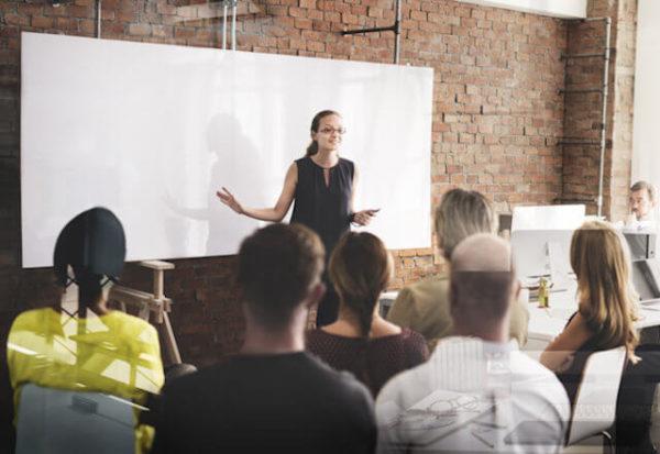 Oratoria: Las 25 técnicas más eficaces para abrir tu presentación en público