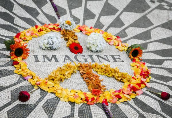 El periodista que vio morir a John Lennon revive la fatídica noche