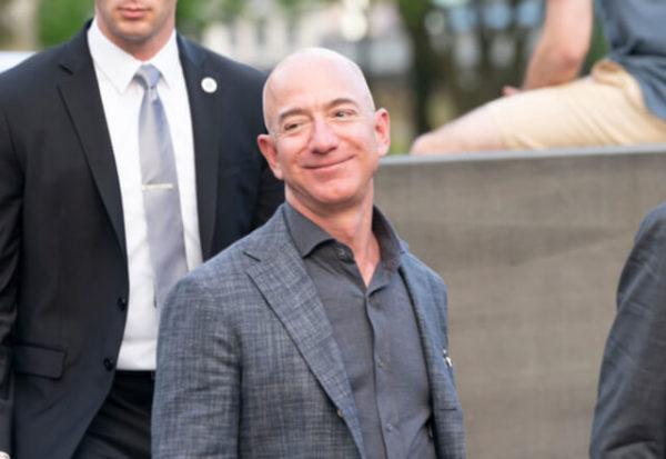 Jeff Bezos dejará la presidencia de Amazon