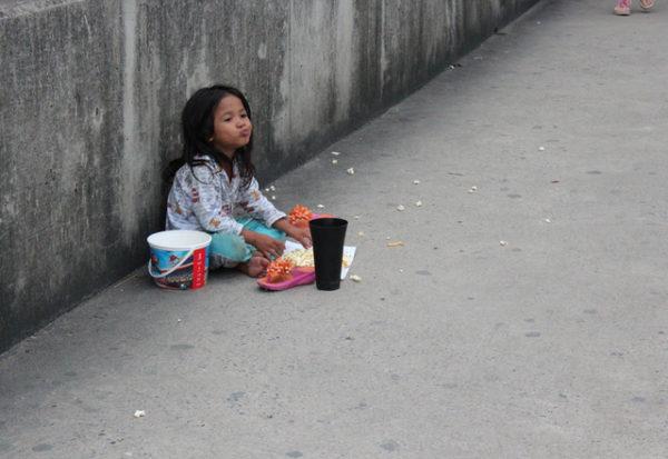 Atacar la pobreza infantil: una inversión a largo plazo