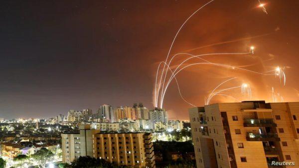 Escala conflicto entre Israel y Hamas con decenas de muertos