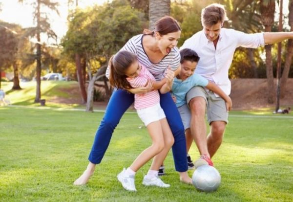 ¿Cómo influyen los adultos en el estilo de vida de los niños que lesrodean?